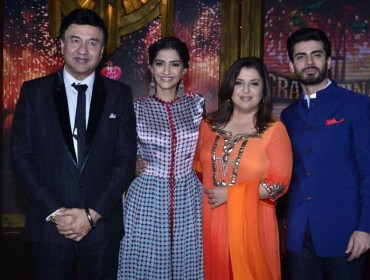 Music director Anu Malik, actor Sonam Kapoor, filmmaker Farah Khan and Pakistani actor Fawad Khan on the sets of Entertainment Ke Liye Kuch Bhi Karega (EKLKBK) to promote upcoming film Khoobsurat in Mumbai on July 27, 2014. (Photo: IANS)