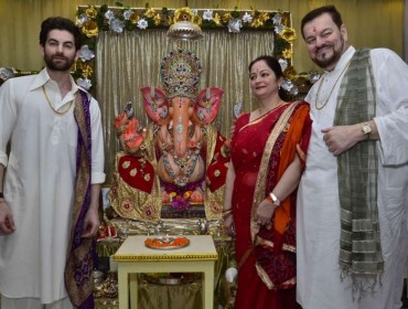 Actor Neil Nitin Mukesh celebrates Ganesh Festival at his house in Mumbai on Aug 29, 2014. (Photo: Sandeep Mahankal/IANS)