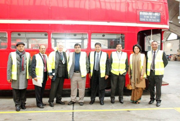 Mr Nitin Gadkari along with the delegation members and UK Transport officials at the MOT Station, Stockwell