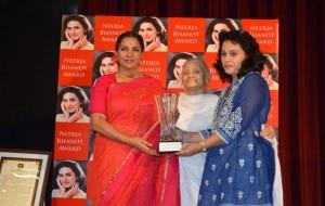 Acclaimed actor Shabana Azmi confers the prestigious Neerja Bhanot Award 2013 on Delhi-based Rashmi Anand