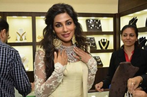 Actor Chitrangada Singh during jewellery exhibition Glamour North Mumbai 2014 at Hotel JW Marriott in Mumbai, on July 4, 2014. (Photo: IANS)
