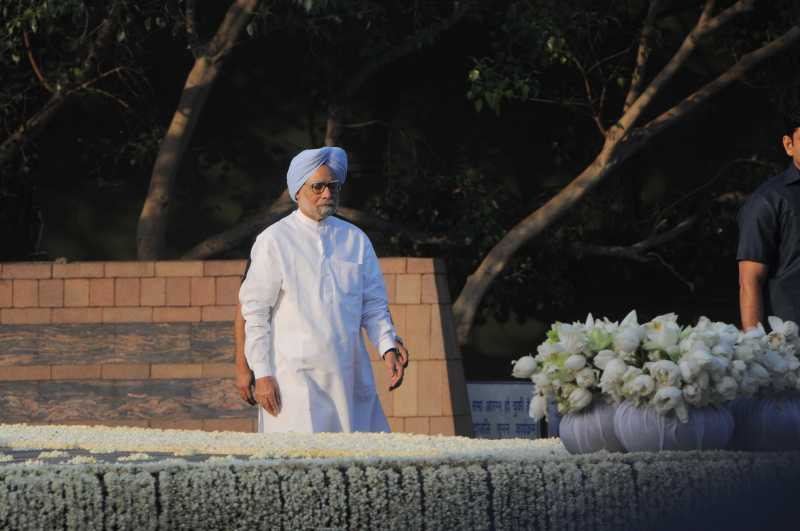 Former Prime Minister Manmohan Singh during a programme organised on 23rd death anniversary of late prime minister Rajiv Gandhi at his memorial 'Vir Bhumi' in New Delhi on May 21, 2014. (Photo: IANS)
