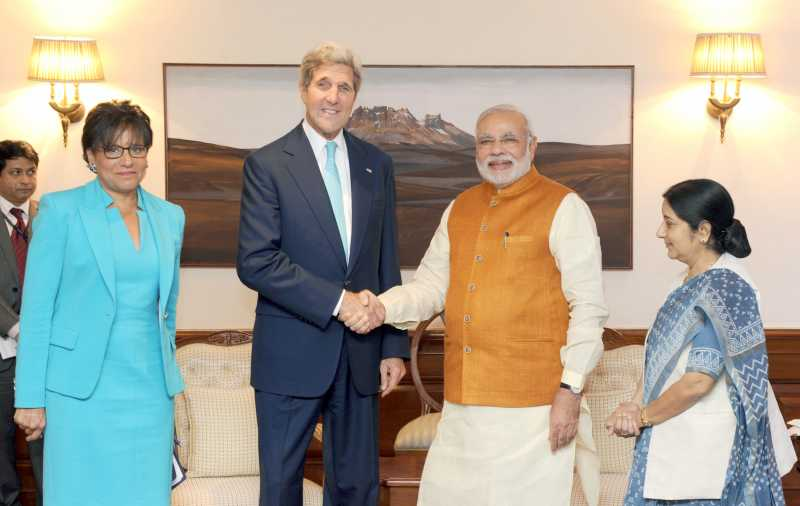 US Secretary of State, Mr. John Kerry and the US Secretary of Commerce, Ms. Penny Pritzker with Prime Minister, Shri Narendra Modi, in New Delhi. The Union Minister for External Affairs and Overseas Indian Affairs, Smt. Sushma Swaraj is also seen.