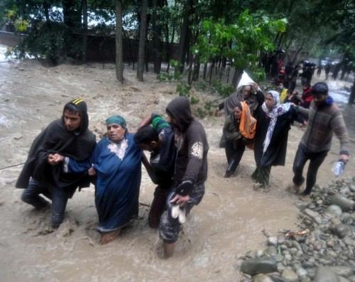 People being evacuated from Khudwani and Nowpora as water level in Vaishav nallah has increased in Kulgam district of Jammu and Kashmir
