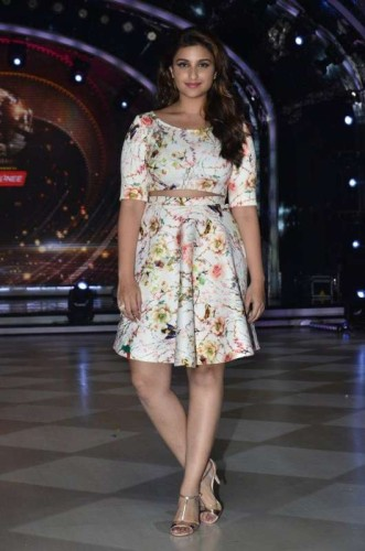 Actor Parineeti Chopra on the sets of Jhalak Dikhhla Jaa during the promotion of film Daawat-e-Ishq, in Mumbai, on Aug. 26, 2014. (Photo: IANS)