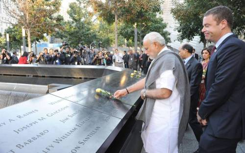 Prime Minister Narendra Modi paying homage at the 9/11 Memorial, in New York on Sept. 27, 2014. (Photo: IANS/PIB)