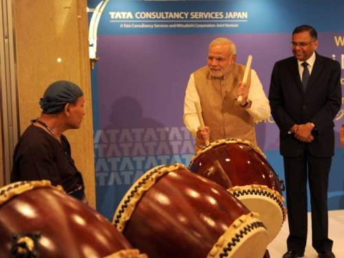 The Prime Minister, Shri Narendra Modi shares a lighter moment with Japanese ceremonial drummers at the inauguration of the TCS Japan Technology and Cultural Academy, in Tokyo, Japan on September 02, 2014.