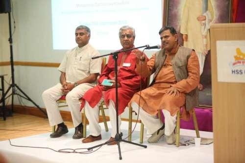 Ramji, Vaidya Dhiraj Shah and Dattatreya