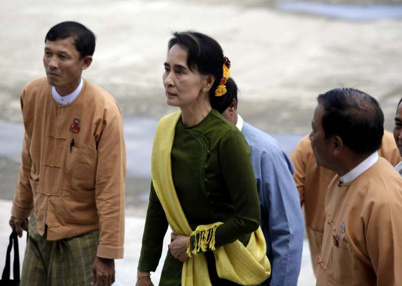 Aung San Suu Kyi  leader of Myanmar's National League for Democracy, arrives to attend the 11th parliament sessions of the Union Parliament in Nay Pyi Taw, Myanmar, on Sept. 11, 2014. Myanmar's parliament is due to resume its sessions of the House of Representatives and the House of Nationalities in Nay Pyi Taw (FILE)