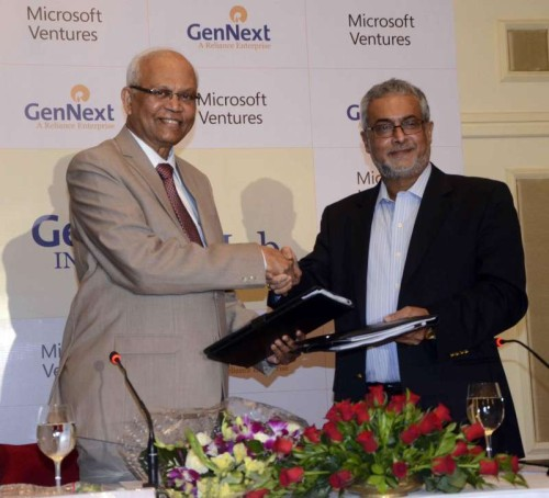 Chairman of Gen Next Ventures, Dr R A Mashelkar with the chairman of Microsoft Corporation (India) Pvt. Ltd, Bhaskar Pramanik during a programme in Mumbai