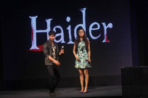 Actors Shahid Kapoor and Shraddha Kapoor during the song launch of EK Aur Bismil from the film Haider, in Mumbai, on September 19, 2014. (Photo: IANS)