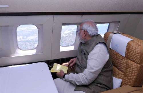 The Prime Minister, Shri Narendra Modi taking the aerial view of the situation of flood affected areas, in Jammu and Kashmir