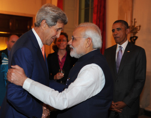 The Prime Minister, Shri Narendra Modi meeting the US Secretary of State, Mr. John Kerry, at the private dinner hosted by the President Barack Obama of the United States, in his honour, at the White House, in Washington DC on September 30, 2014.