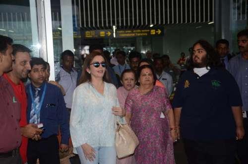 Indian businesswoman Nita Ambani arrives at NSBC Airport in West Bengal on Oct. 11, 2014. (Photo: IANS)