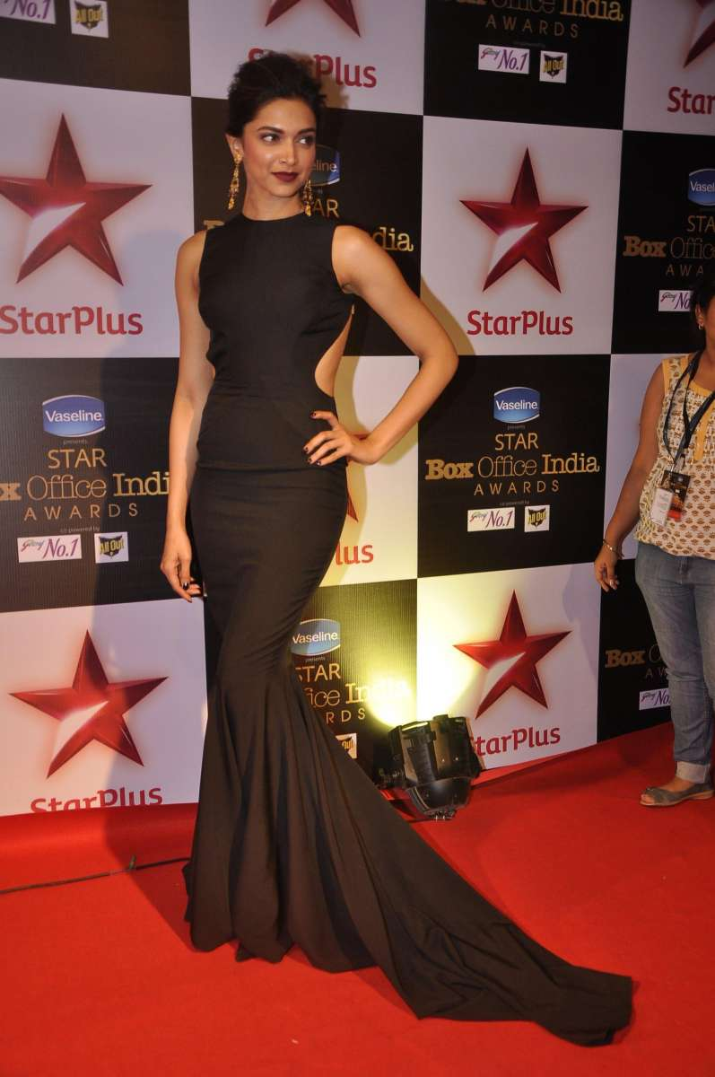 Actor Deepika Padukone during Star Plus First Ever Star Box Office Awards 2014 in Mumbai on October 9, 2014. (Photo: IANS)