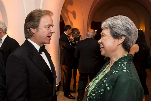 British Minister of State at the Foreign and Commonwealth Office Mr Hugo Swire  with Ho Ching , the winner of 2014 Asian Business Leaders Awards
