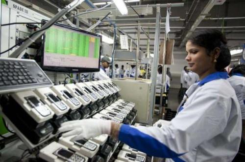 Worker at Nokia plant in Sriperumbudur