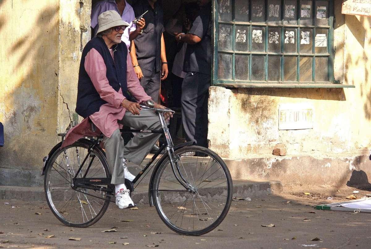 Actor Amitabh Bachchan shoots for his upcoming film `Piku`in Kolkata