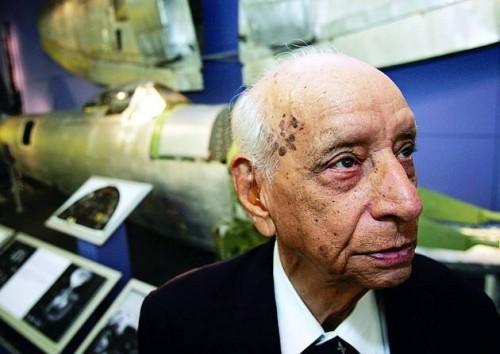 Former spitfire fighterpilot, Squadron Leader Mahinder Singh Pujji