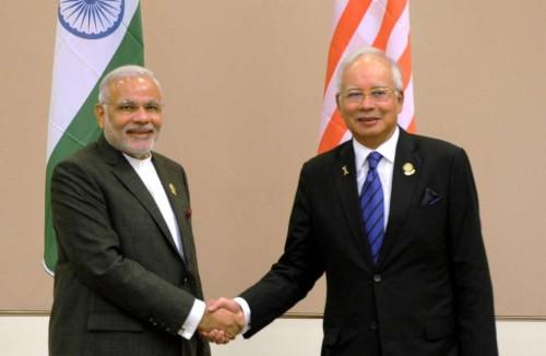 The Prime Minister, Shri Narendra Modi meeting the Prime Minister of Malaysia, Mr. Najib Razak, at Nay Pyi Taw, Myanmar on November 12, 2014.