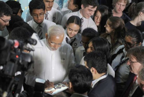 The Prime Minister, Shri Narendra Modi interacting with the students at the Queensland Institute of Technology, in Brisbane, Australia on November 14, 2014.