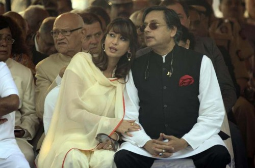 A file photo of Union Minister of State for Human Resource Development Shashi Tharoor and his wife Sunanda Pushkar during an event. She was found dead in a room of luxury hotel of New Delhi on Jan.17, 2014.