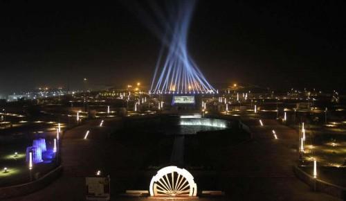 Mahatma Mandir ready to host Pravasi Bhartiya Diwas and Vibrant Gujarat Summit in Gandhinagar on Jan 5, 2014.
