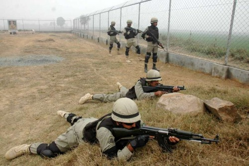 Pakistani rangers guard along the Pakistan-India border area of Wagah in eastern Pakistan's Lahore on Jan. 3, 2015. Pakistan army said that Indian forces shelled its border areas and killed a 13-year-old girl.