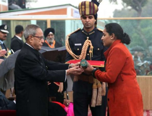 The President, Shri Pranab Mukherjee giving away the highest gallantry award Ashok Chakra to Major Mukund Varadarajan 44th Battalion Rashtriya Rifles/The Rajput Regiment (Posthumous), the award received by his wife, on the occasion of the 66th Republic Day Parade 2015, in New Delhi on January 26, 2015.