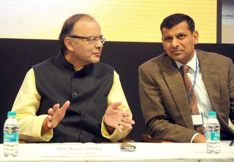 Union Minister for Finance, Corporate Affairs, and Information and Broadcasting Arun Jaitley with RBI Governor Raghuram Rajan