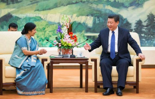 Chinese President Xi Jinping meets with Indian Foreign Minister Sushma Swaraj in Beijing, capital of China, Feb. 2, 2015.