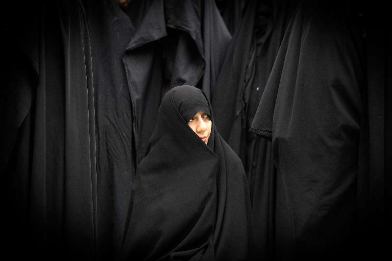 An Iranian woman participates in a rally marking the anniversary of the U.S. embassy takeover in Tehran by a group of Iranian students 35 years ago, in downtown Tehran, Iran, on Nov. 4, 2014 (File)