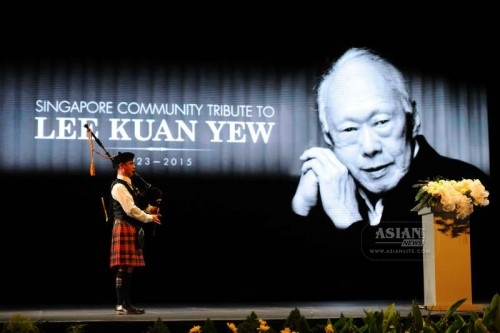 A bagpiper plays a tune during a memorial meeting of Singapore's founding father Lee Kuan Yew at Singapore's Kallang Theatre, March 27, 2015. Singapore's various ethnic associations and community organisations jointly organised a memorial meeting to pay tribute to Singapore's founding father Lee Kuan Yew on Friday.