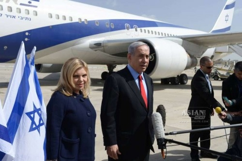 sraeli Prime Minister Benjamin Netanyahu and his wife Sarah leave for Washington D.C. at Ben Gurion Airport outside Tel Aviv, Israel, on March 1, 2015.