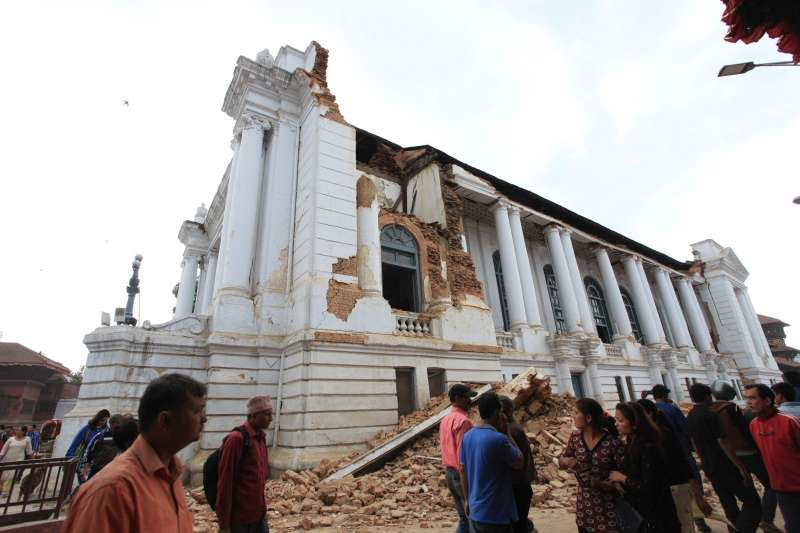 Hanumandhoka is ruined after earthquake in Kathmandu, Nepal, April 25, 2015. More than 100 people are so far known to have been killed in a strong earthquake which hit large parts of Nepal on Saturday, including dozens in capital Kathmandu, sources here said.
