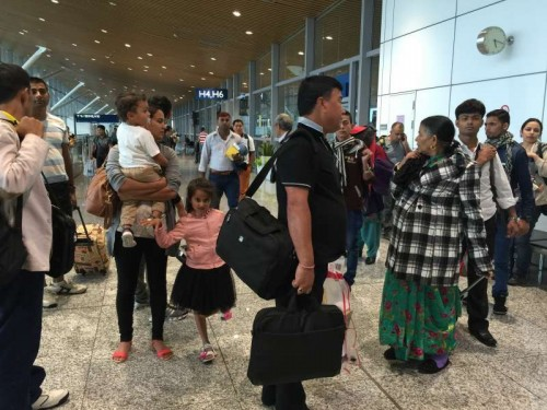 Nepalese passengers wait for flights back to Nepal at Kuala Lumpur International Airport in Kuala Lumpur, capital of Malaysia, on April 26, 2015. A total of 2,152 people have been killed and about 5,000 others inured in a powerful earthquake that struck Nepal at midday Saturday, National police spokesman Kamal Singh Bam said