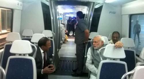 Modi travels in Delhi metro