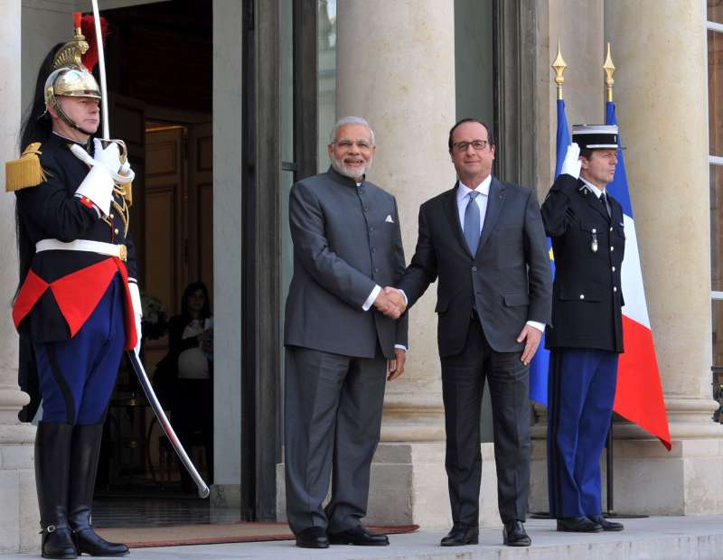 Indian Prime Minister Narendra Modi with French President Francois Hollande