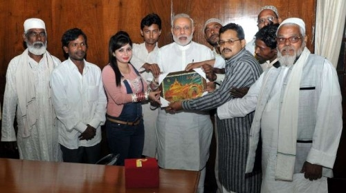 A delegation of Rashtriya Bunkar Action Committee, Varanasi, calls on the Prime Minister Narendra Modi, in New Delhi