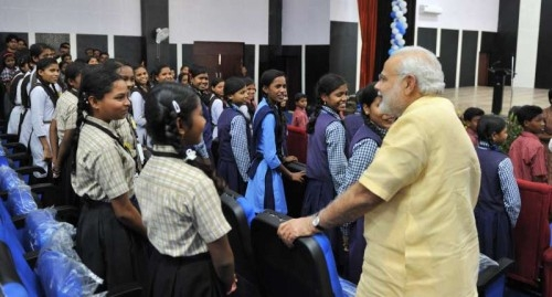 The Prime Minister, Shri Narendra Modi interacting with the students, at Livelihood College, in Dantewada, Chhattisgarh on May 09, 2015.