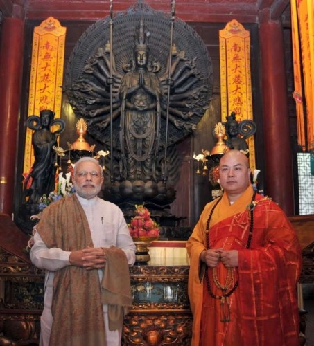 The Prime Minister, Shri Narendra Modi visiting the Daxingshan Temple, in Xi'an, Shaanxi Province, China on May 14, 2015.