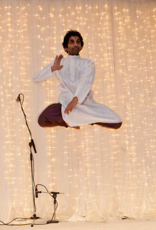 Shrikant Subramaniam - Flights of Fancy - based on Richard Bach's Jonathan Livingstone - at Kala Sangam on  Saturday 20th June 2015, 7pm