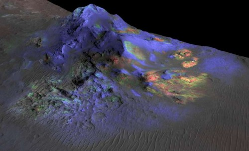 Researchers have found deposits of impact glass (in green) preserved in Martian craters. (Photo: courtesy, NASA/JPL-Caltech)