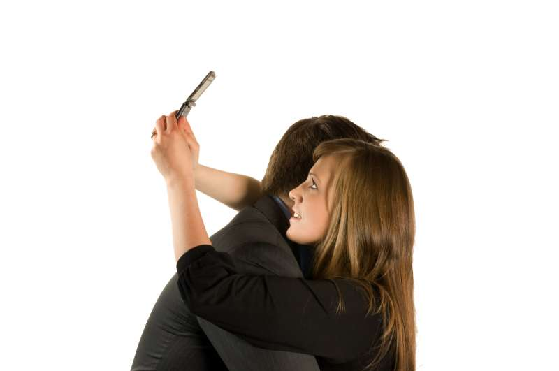 Addiction to social media affecting the intimacy between couples