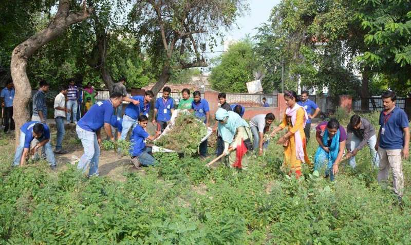 Concerned citizens pick up brooms, spades to clean up Agra