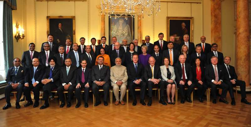 Modi with members of Indo-UK CEO forum