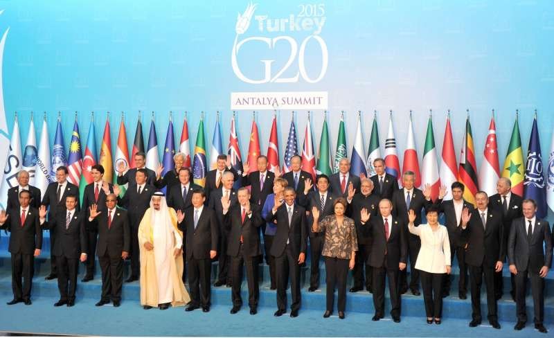 G20 leaders pose for an official  photo in Turkey