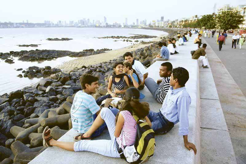 Marine Drive -Great and safe place to hang-out
