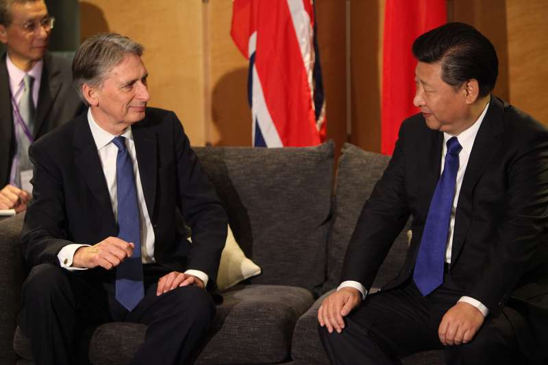 Foreign Secretary Philip Hammond with Chinese President Xi (File)