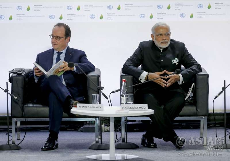 Prime Minister Narendra Modi and French President Francois Hollande (File)